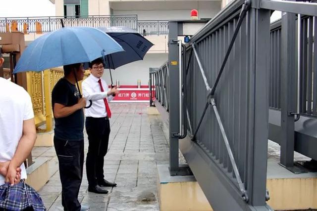 下雨也不能阻挡展厅的魅力2.jpg