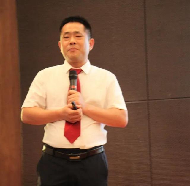 总政委杨攀峰先生讲话.jpg